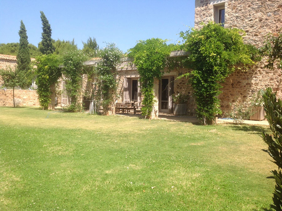 KERATEA-stone-house_45
